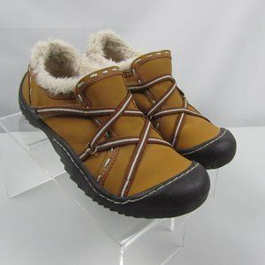 J-41 ADVENTURE ON Leather Fur Lined shoes Size 9M